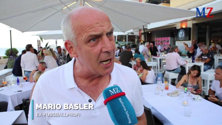 Jetzt mit Video: Mario Basler eröffnet feierlich seine Bar in Cala Ratjada