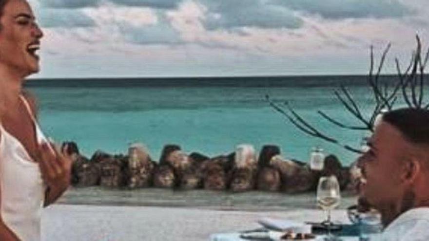 La espectacular pedida de mano de Roger a María, en las Maldivas