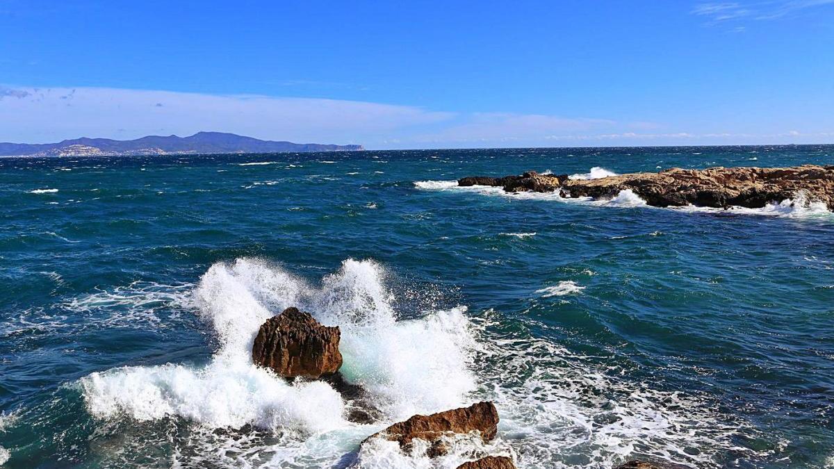 El temporal de mar, ahir a l'Escala.