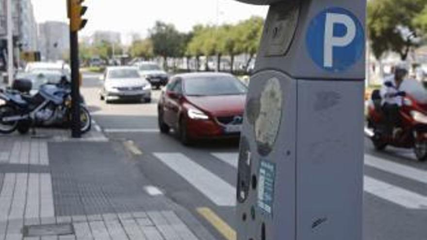 Ciudadanos pide parquímetros de la ORA accesibles a personas con enanismo