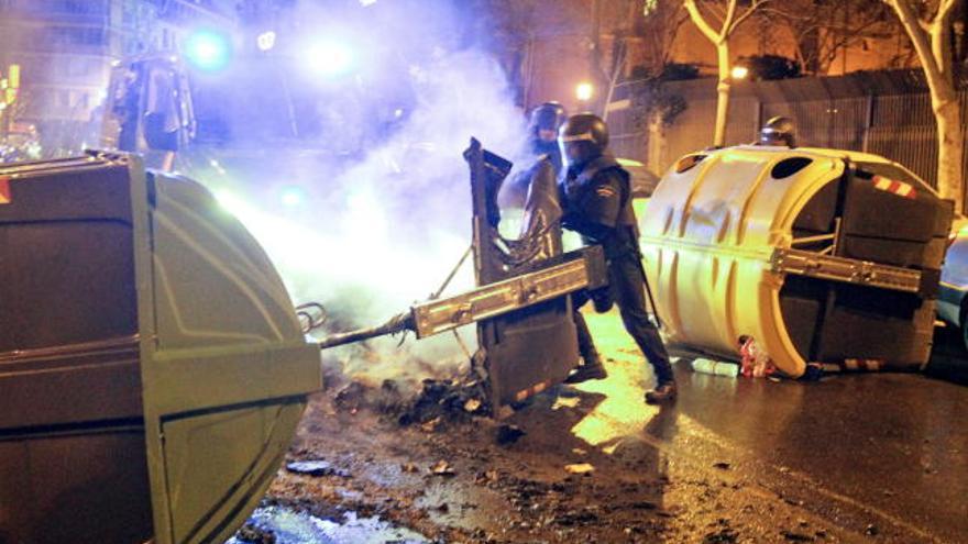 TVE cuela imágenes falsas de los disturbios en Burgos