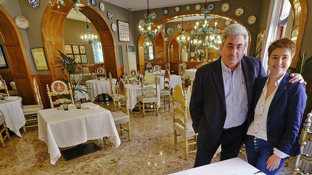 Els germans Lluïsa i Ramon Duran Juanola, actuals responsables de l'establiment | BORJA BALSERA