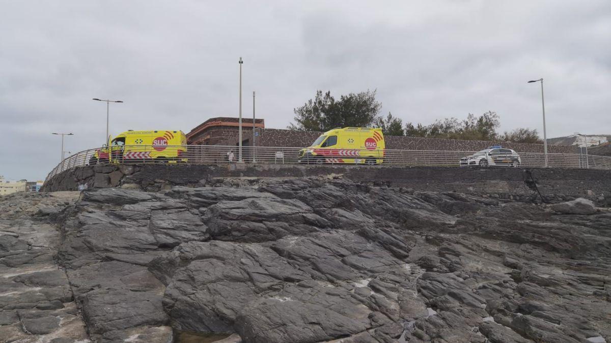 Ambulancias en el lugar donde se produjo la muerte del niño.
