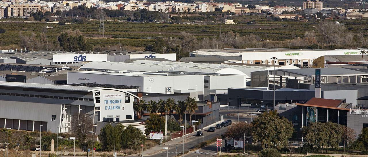 Perspectiva de empresas de los polígonos de Tisneres y Carretera de Albalat, en una imagen de archivo.   PERALES IBORRA