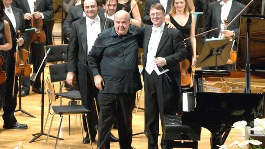 El Gobierno piensa en Víctor Pablo Pérez para dirigir el Festival de Música