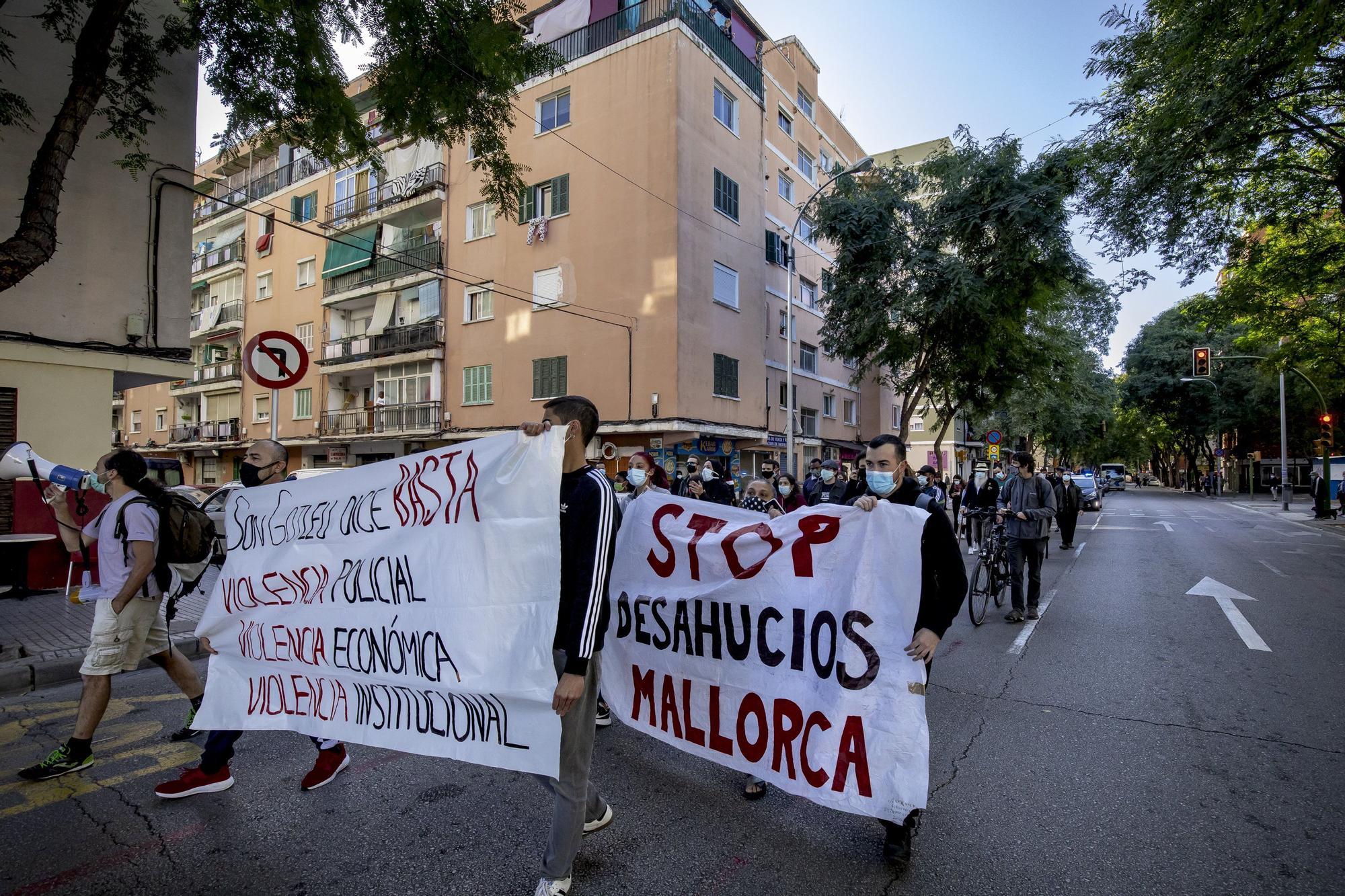 """Stop Desnonaments se moviliza en Son Gotleu para pedir """"el fin de la violencia económica"""" de los desahucios"""