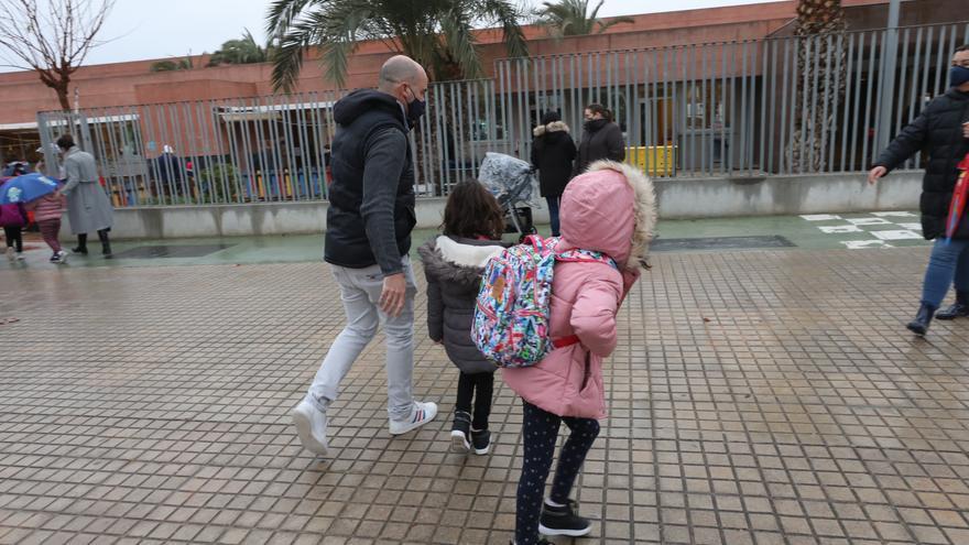 Tres municipios de Alicante cierran sus colegios hoy por el temporal de nieve 'Filomena'