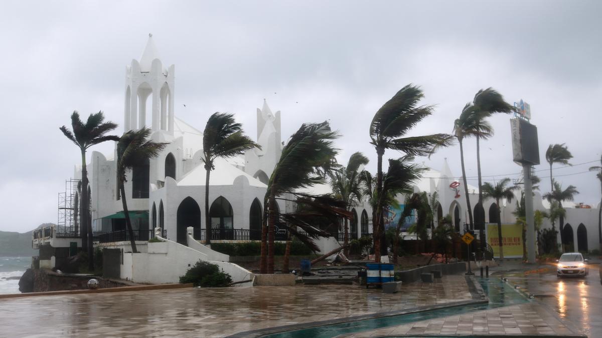 Hurricane Nora pounds Mexico's coast