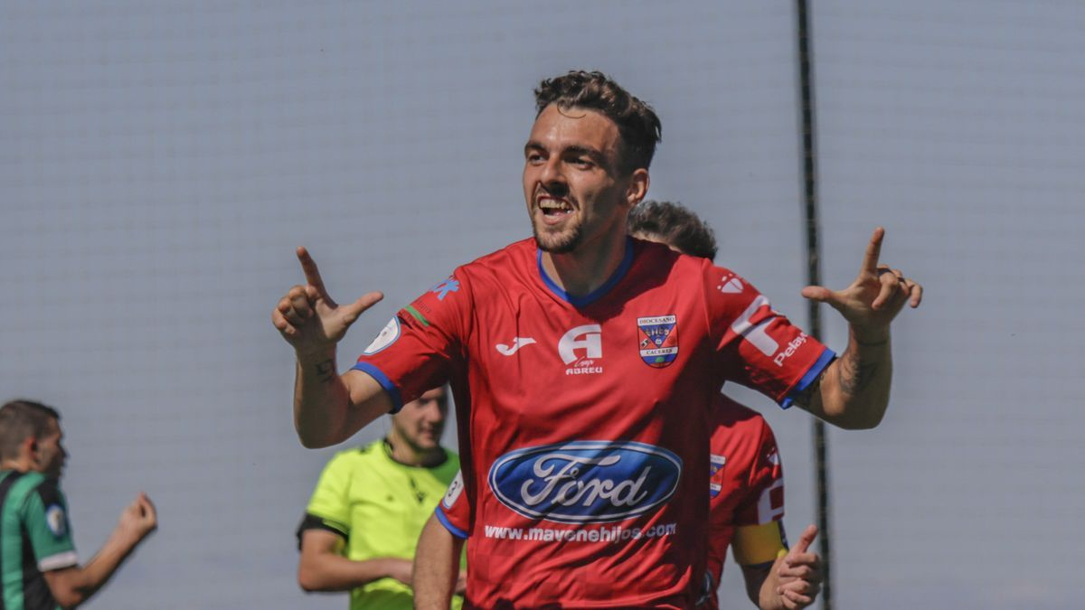 Luismi celebra un gol de la temporada pasada.