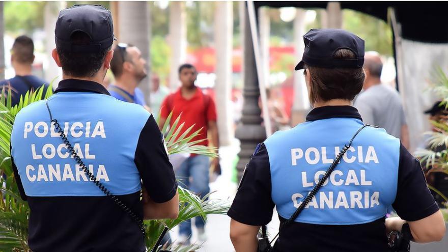 La Policía Local de Santa Cruz levanta 35 actas por incumplir el toque de queda durante el fin de semana