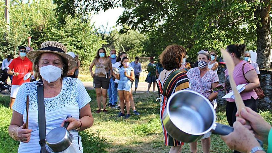 Los pueblos de Cobreros hacen sonar sus cacerolas contra la fotovoltaica