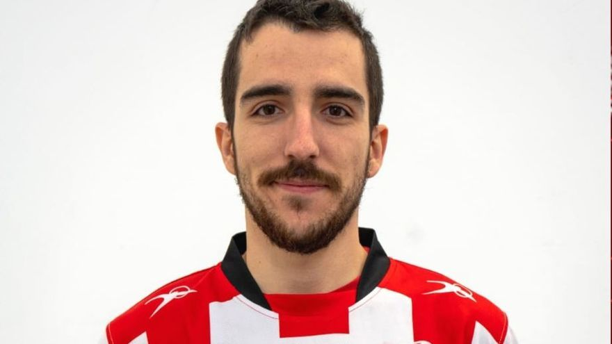 Luis Arnau es               el primero en dar     el salto al primer equipo del Fertiberia