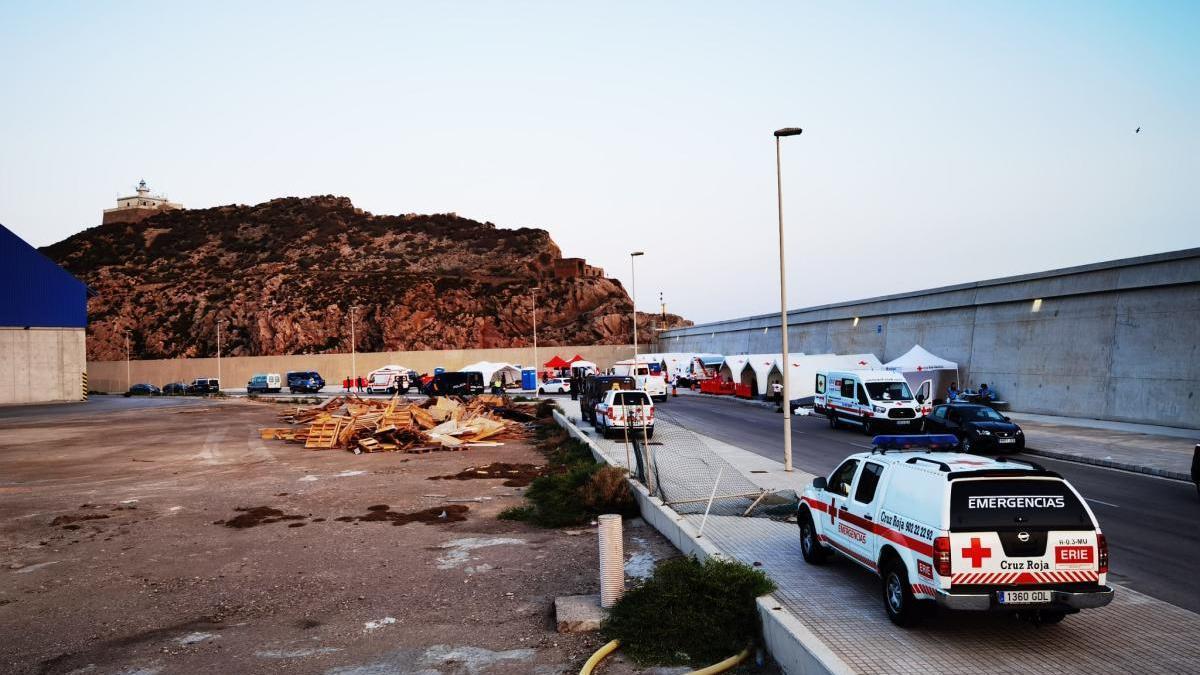 Lugar del puerto de Cartagena donde se está instalando a los extranjeros, en una foto de achivo.