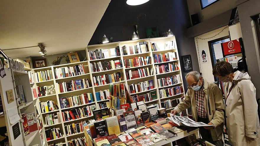 Los libreros mantienen vivo su sector tras recuperar ventas y ganar lectores