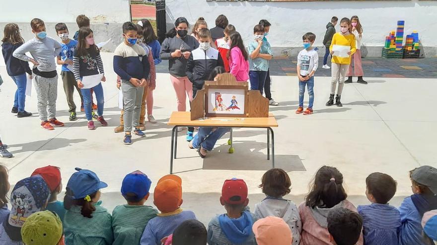 El colegio El Llano de Monesterio organiza múltiples actividades para conmemorar el Día del Libro