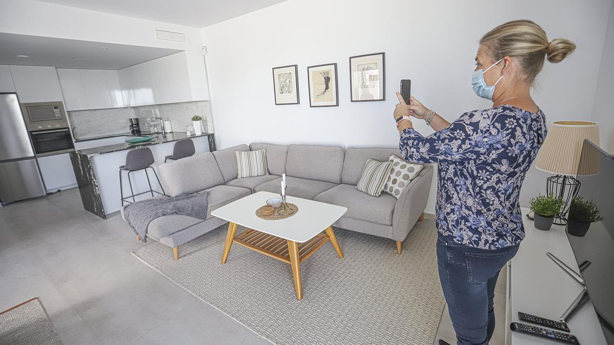 En las visitas virtuales los agentes inmobiliarios se desplazan a las viviendas para mostrar todos los detalles del inmueble.