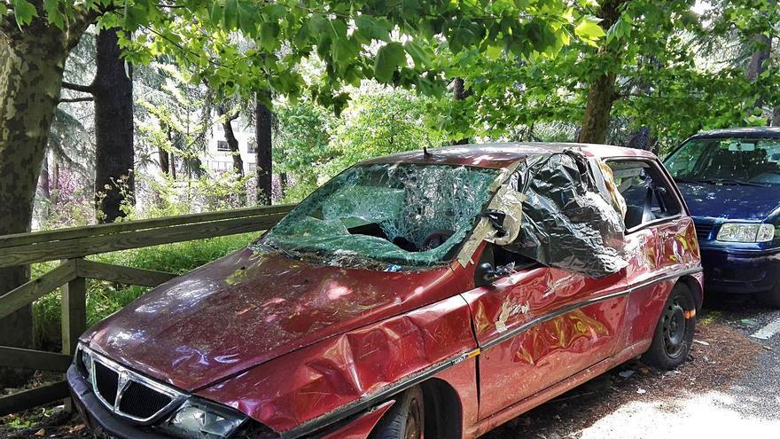 La Policía Local detectó en 2020 más de 70 vehículos abandonados en las calles