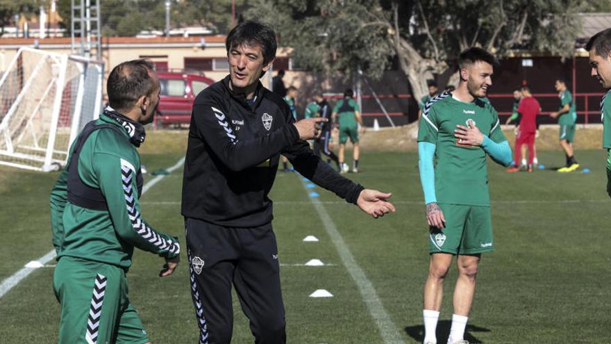 Todos disponibles para Almería menos Claudio Medina y Escriche