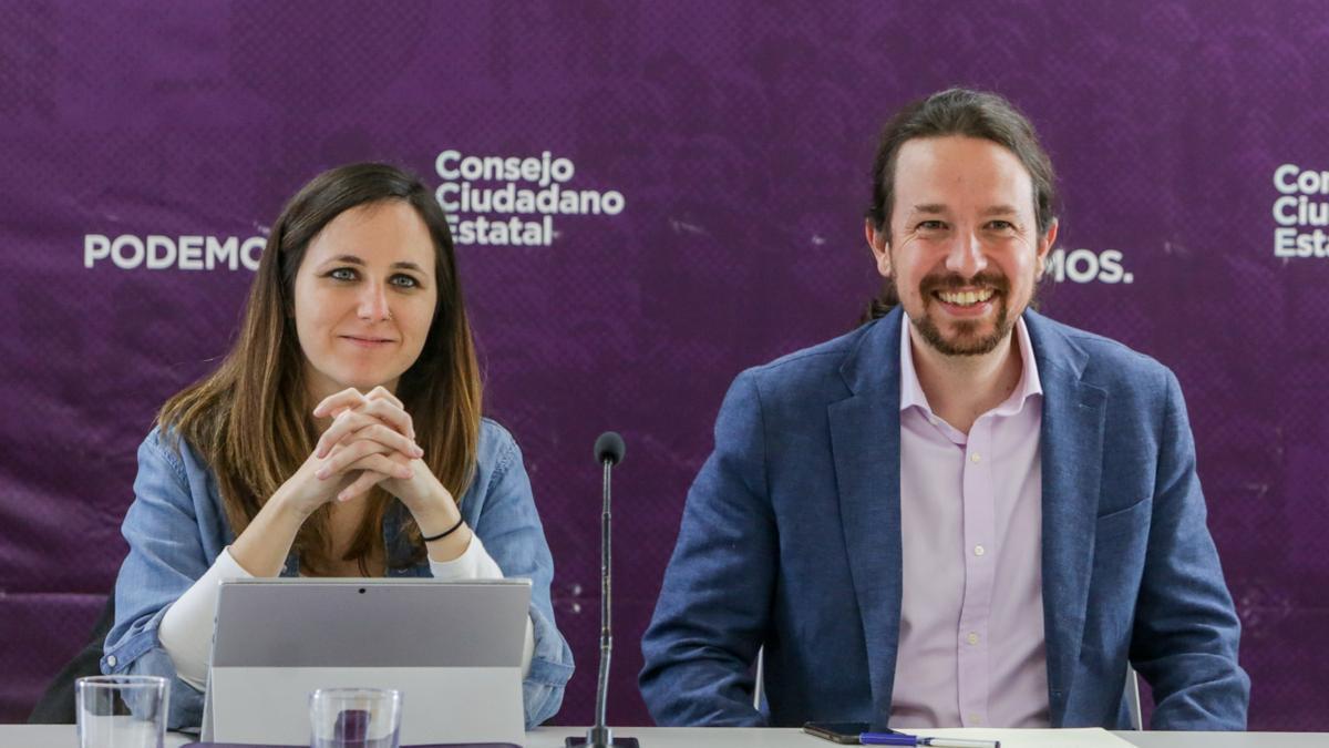 Ione Belarra, junto a Pablo Iglesias en una imagen de archivo.