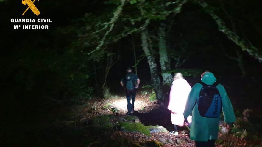 La Guardia Civil de Tarazona rescata a dos senderistas que se perdieron en el Moncayo