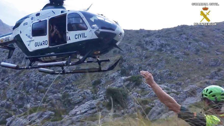 Rescatan en helicóptero a una pareja alemana exhausta en el Torrent de Pareis