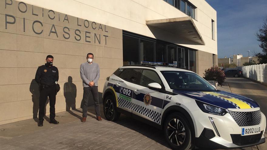 Picassent adquiere un nuevo vehículo 100% eléctrico para la Policía Local