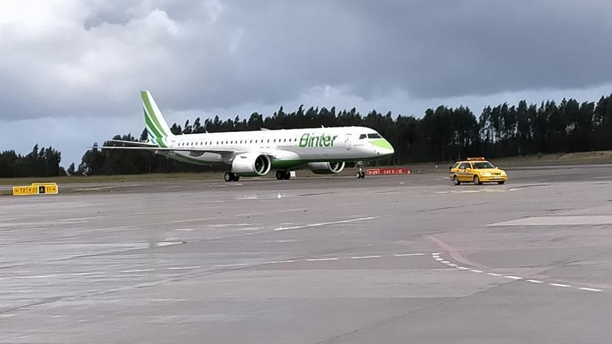 Se duplican las conexiones aéreas entre Asturias y Canarias para este verano