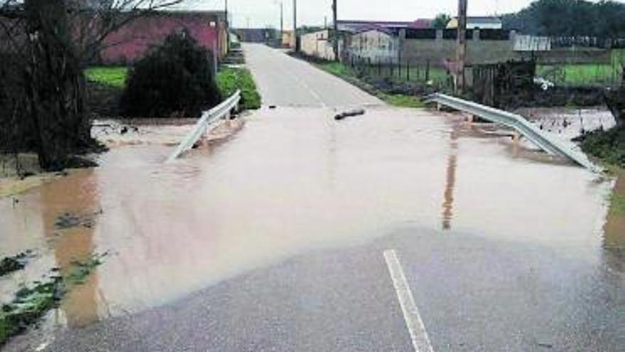 Solicitan la mejora del puente entre Guarrate y El Pego