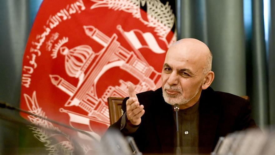 El presidente de Afganistán huye del país tras la entrada de los talibanes en Kabul