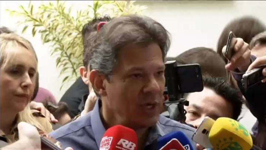 Cierra la mayoría de los colegios electorales en Brasil a la espera del resultado