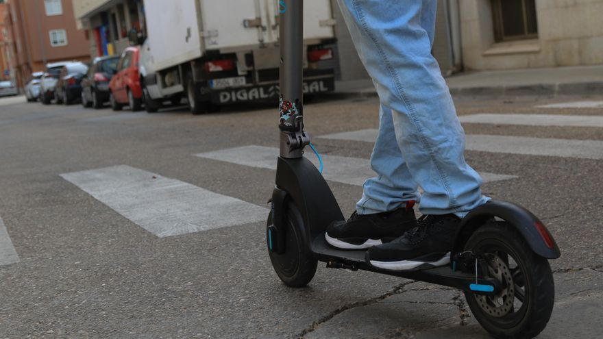 Multado un conductor de patinete eléctrico en Salamanca por circular en estado de embriaguez