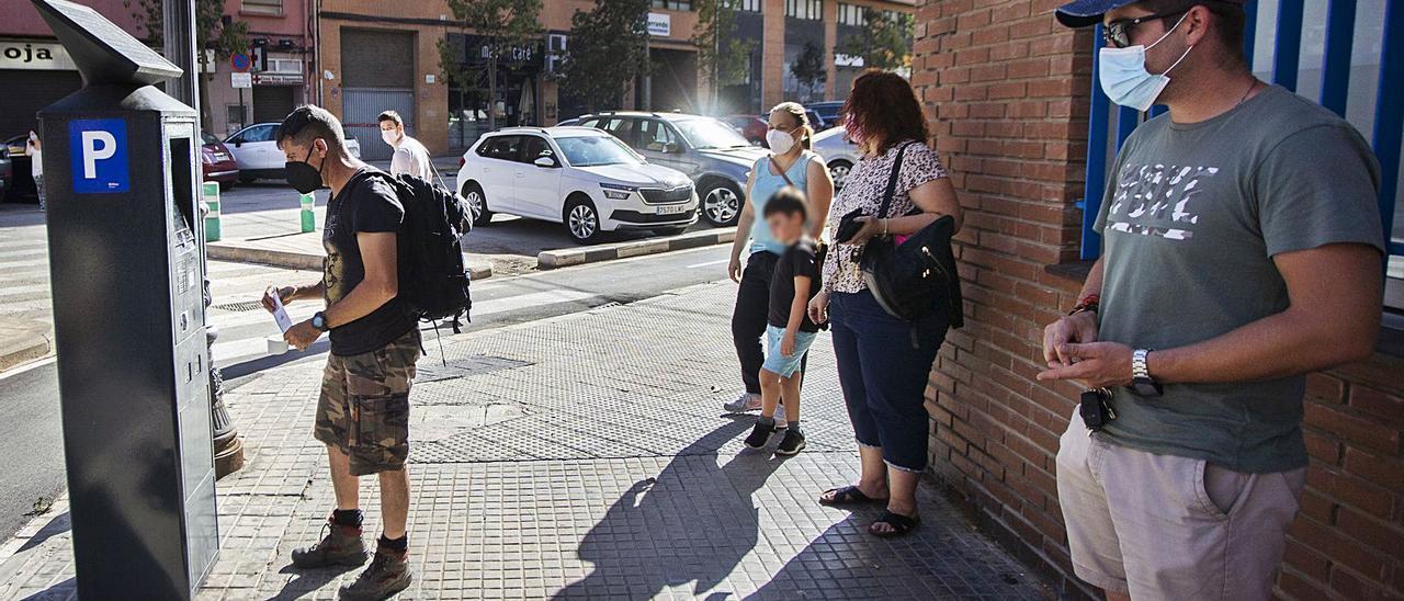 Hosteleros y vecinos denuncian «el afán recaudatorio» del ayuntamiento con la nueva ORA