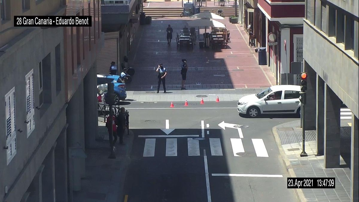 Muere una persona en la vía pública en la zona Puerto