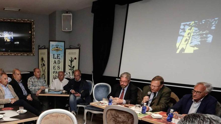 Asociaciones vecinales independientes tantean presentarse juntas a las elecciones municipales