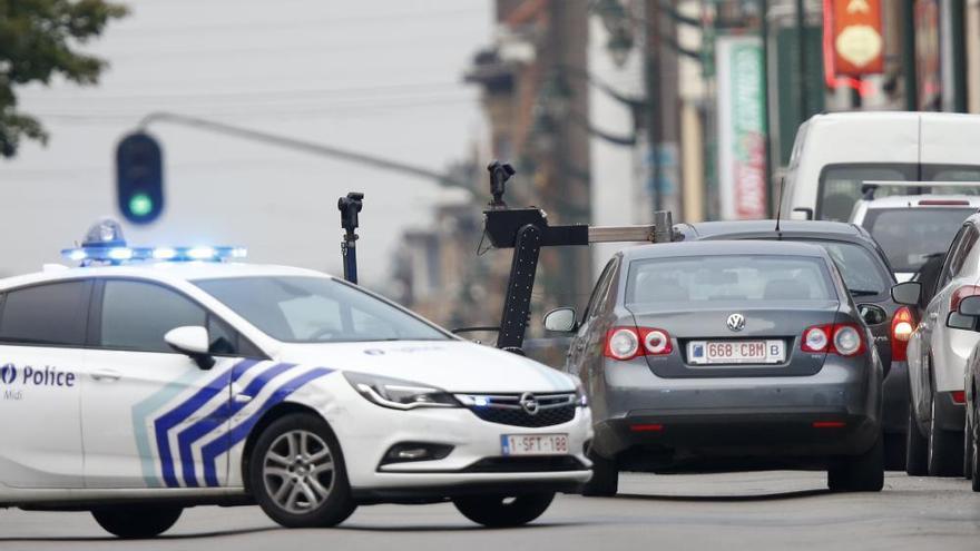 La policía detiene en Bruselas a un desequilibrado que dijo llevar explosivos en su coche