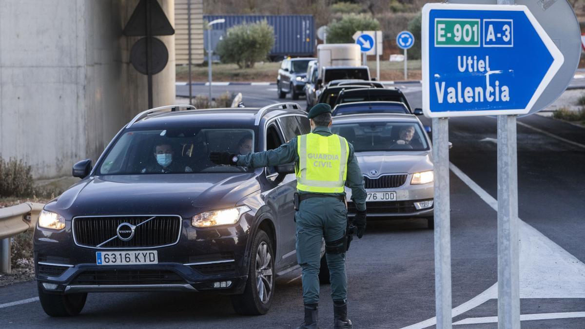 La Generalitat pacta con las comunidades vecinas un cierre perimetral en Semana Santa