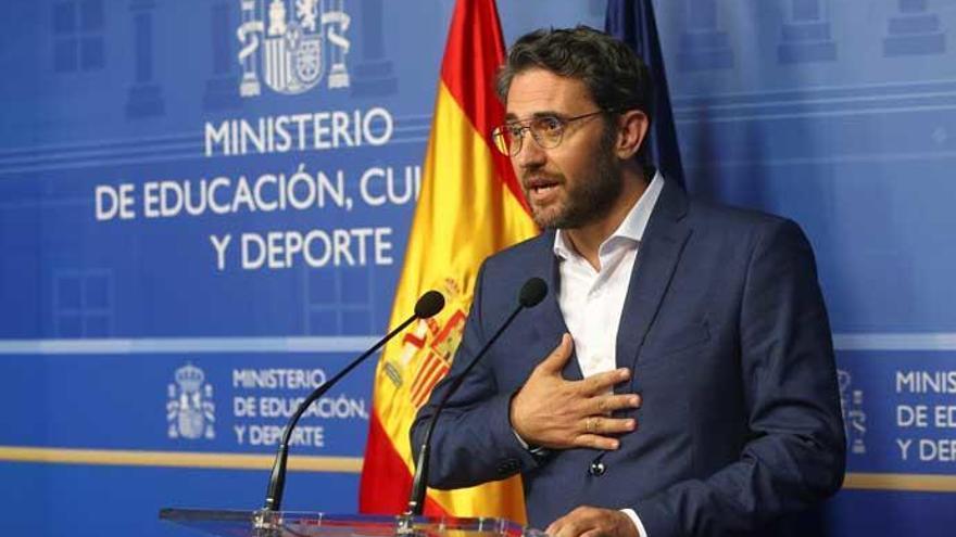Màxim Huerta recibe el apoyo de sus compañeros y amigos