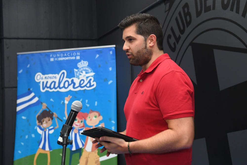 Entrega de premios de los concursos de dibujo y redacción de Os Nosos Valores-Escolas Branquiazuis