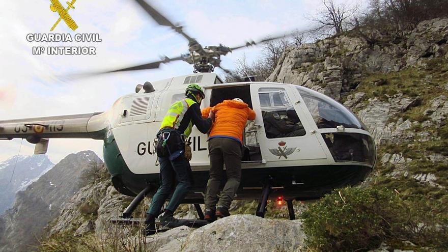 Rescatados dos montañeros desorientados en León