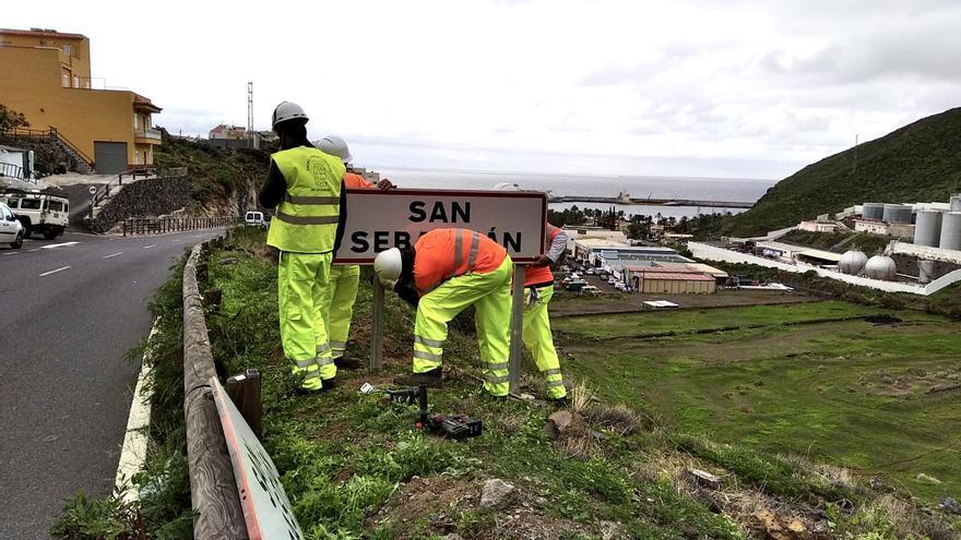 Renovación de la señalética en las carreteras gomeras