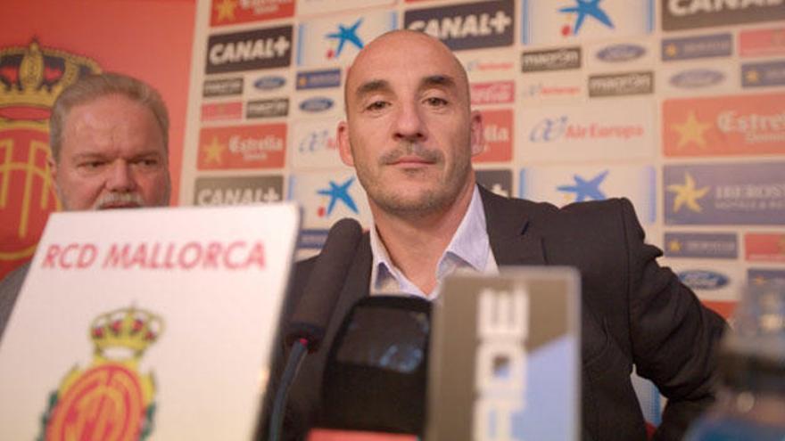 El Mallorca presenta a su entrenador, el 'Chapi' Ferrer