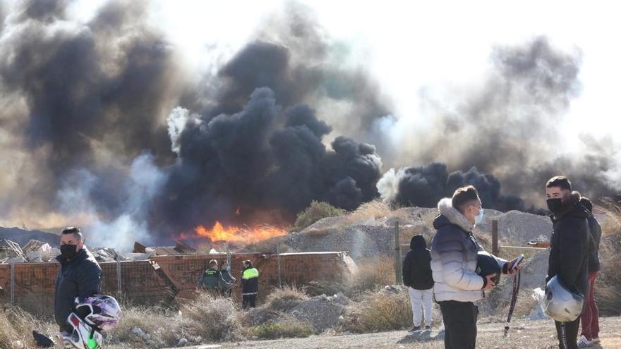 Incendio en el polígono Canastell de San Vicente del Raspeig