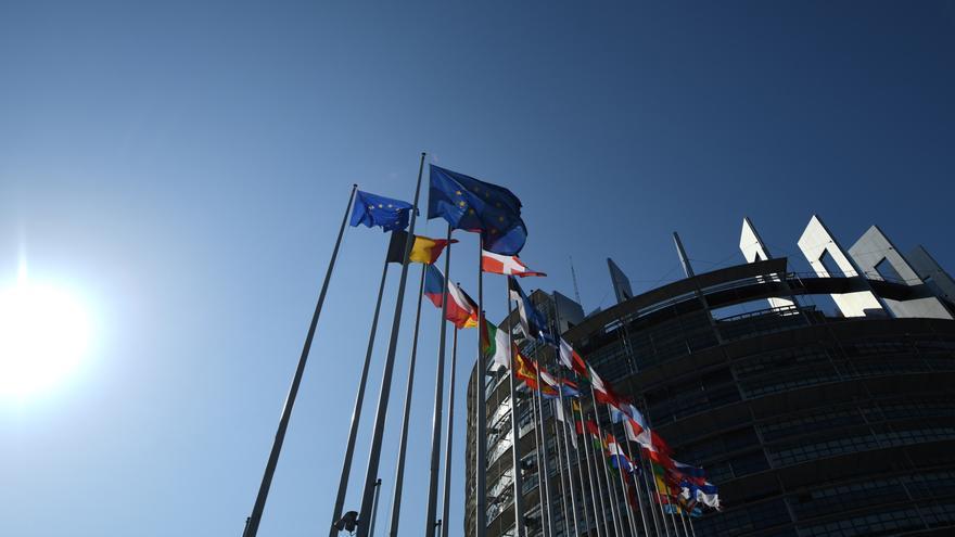 """La UE trabaja en vías """"legales y seguras"""" para los afganos más vulnerables"""