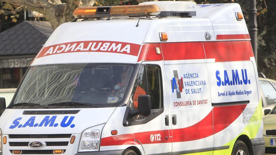 Una mujer y una menor, atendidas al incendiarse su vivienda en Castellar