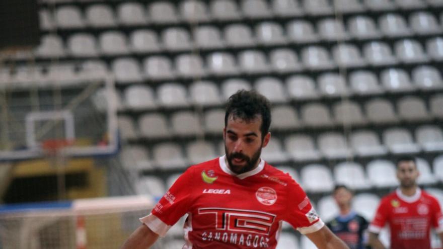 El Ganomagoga IES Coruxo debuta con victoria en Segunda B