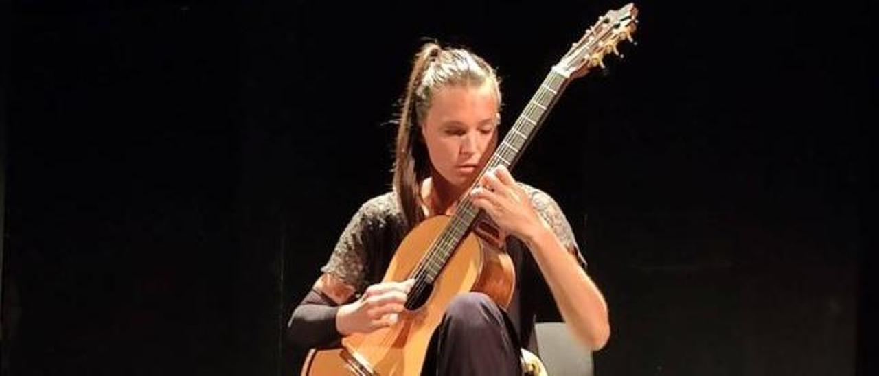Actuación en el Festival de Guitarra de Elche.