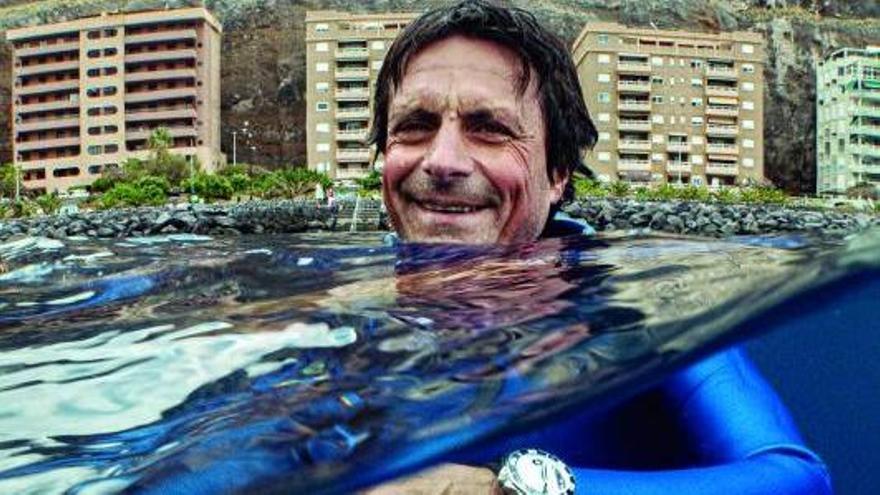 El rey de la profundidad rueda en el mar de Tenerife