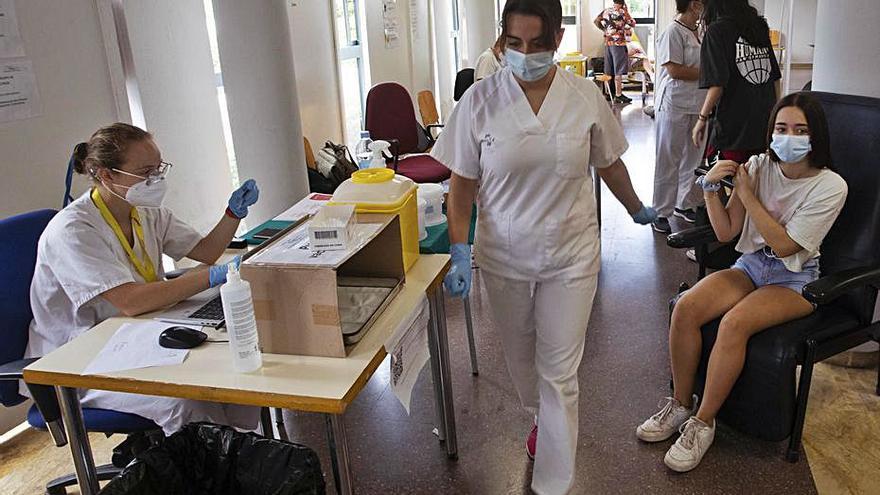 Los contagios activos bajan de 100, después de 77 días