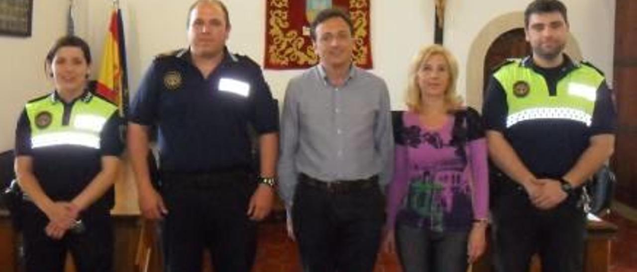 El nuevo gobierno de Albalat dels Sorells retira una talla del Cristo del salón de plenos