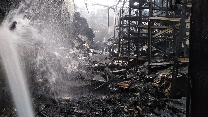Sofocado el incendio en una nave del polígono Guadaljaire